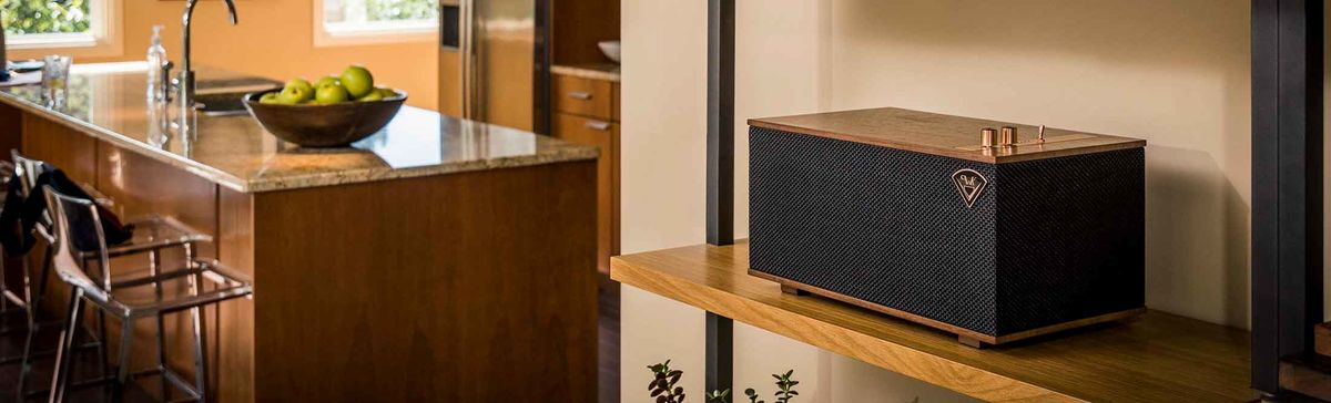 This High-Tech Speaker Proves That Everything Old Is New Again