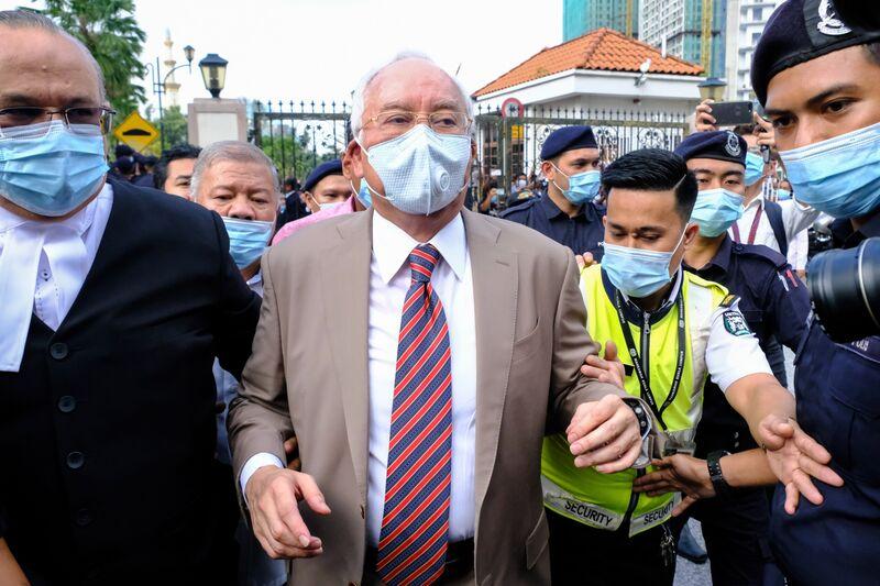 Spotlight Falls on Najib's Verdict After Goldman's 1MDB Deal