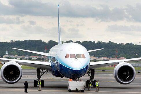Boeing's 787 Dreamliner Flies Again