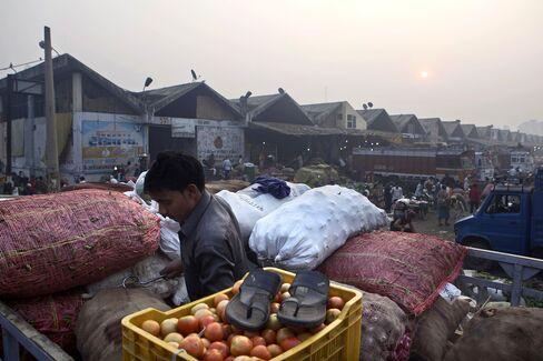 India's November Wholesale Prices Rise 9.11%