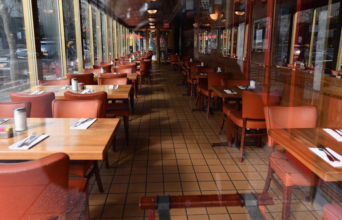 $2 Trillion Virus Bill Leaves 'Gaping Holes' for Restaurant Industry