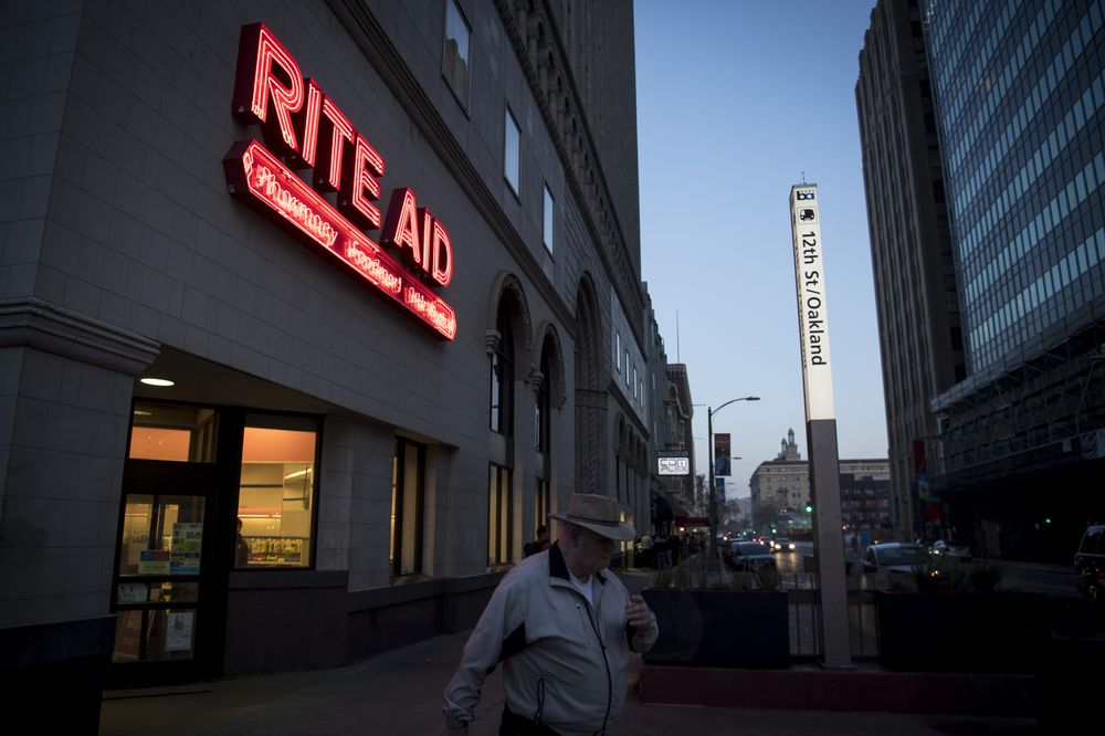 Rite Aid Loses Compensation Vote on `Pay-For-Failure