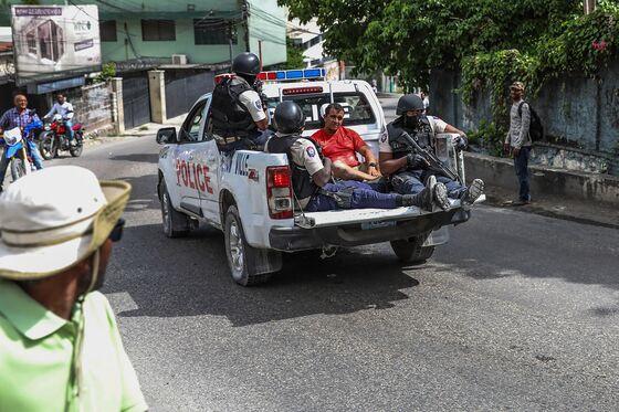 Gunmen Shot in Haiti Manhunt While Politicians Vie for Power