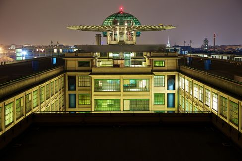 Conference Center at Fiat's Former Lingotto Plant in Turin
