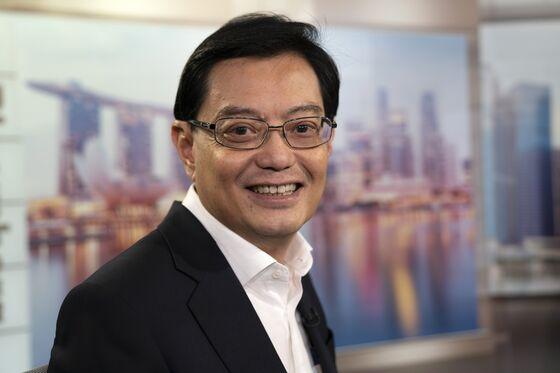 Singapore Assessing 2019 Forecasts as Trade War Risks Loom