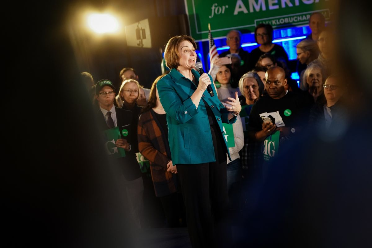 Klobuchar Vows to Fight On, Says No Deal With Biden's Campaign