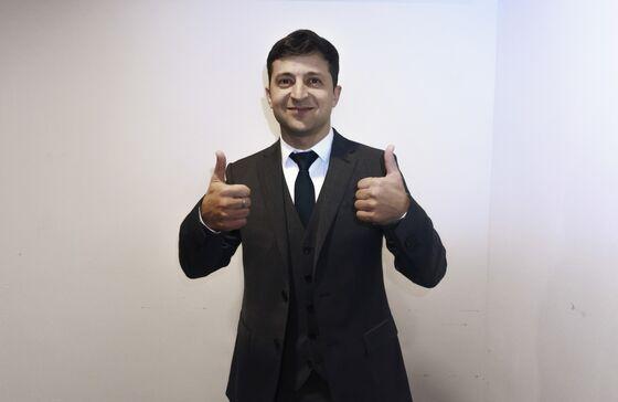 Ukrainian TV Comic Scores Landslide Win to Clinch Presidency