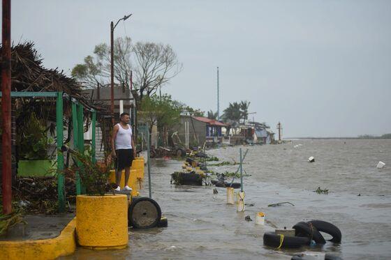 Hurricane Grace Cuts Through Mexico Before Weakening; Kills 8