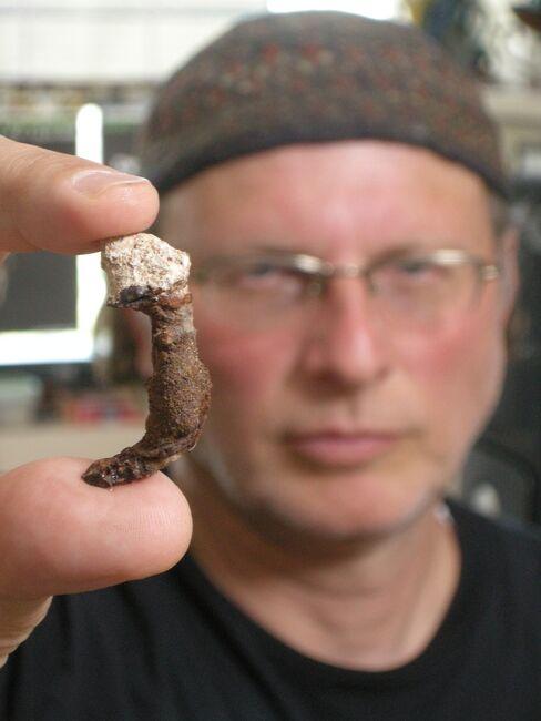 Simcha Jacobovici with nail