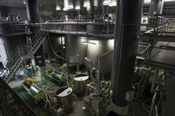 Japanese Sake Maker May Buy U.S. Firms to Set Sales Records
