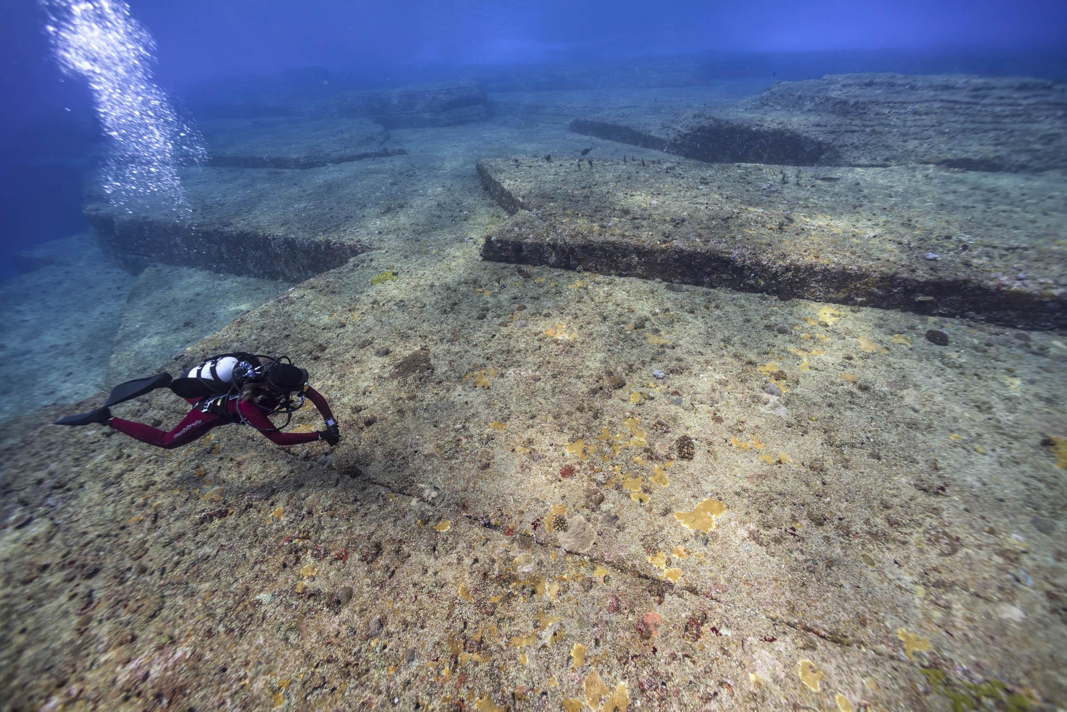 Diving, Yonaguni