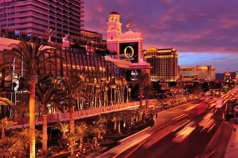 In Vegas, MBAs in Search of a Career Jackpot