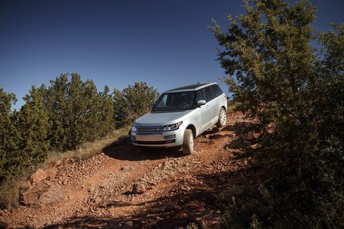 The HSE diesel is very capable off-road, with a 7,716-pound towing capacity.