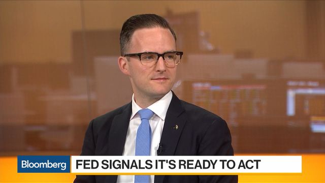 Fed's Williams Says Outlook Still Solid While Risks Mounting