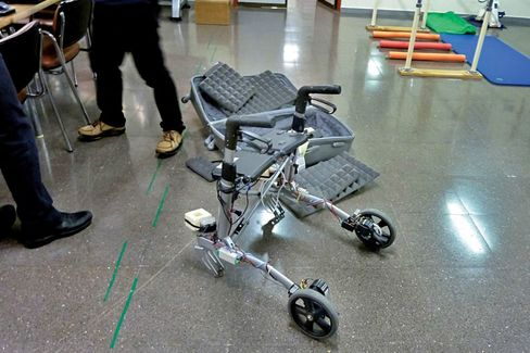 To encourage seniors to exercise and socialize, Acanto looks to sell a version of its walker to families for less than €2,000.