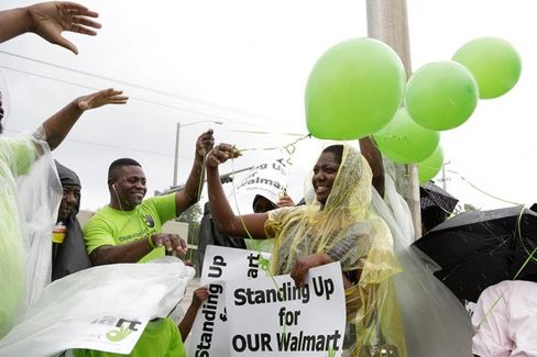 Why Wal-Mart Workers Keep Using One-Day Strikes