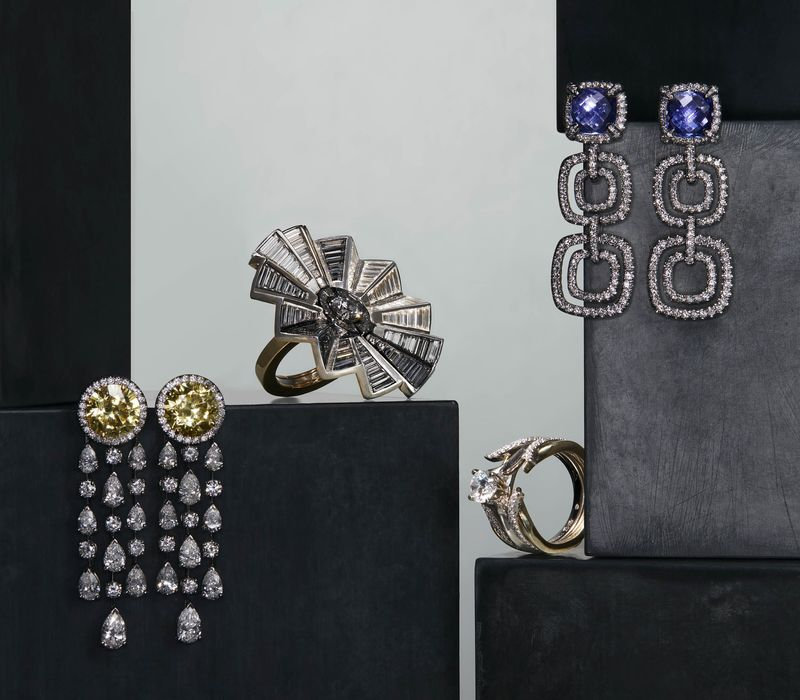 New Trend in Jewelry Is Pieces That Transform Themselves Bloomberg