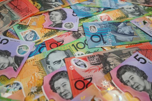Australian Dollar as Currency Advances on Better Business Confidence
