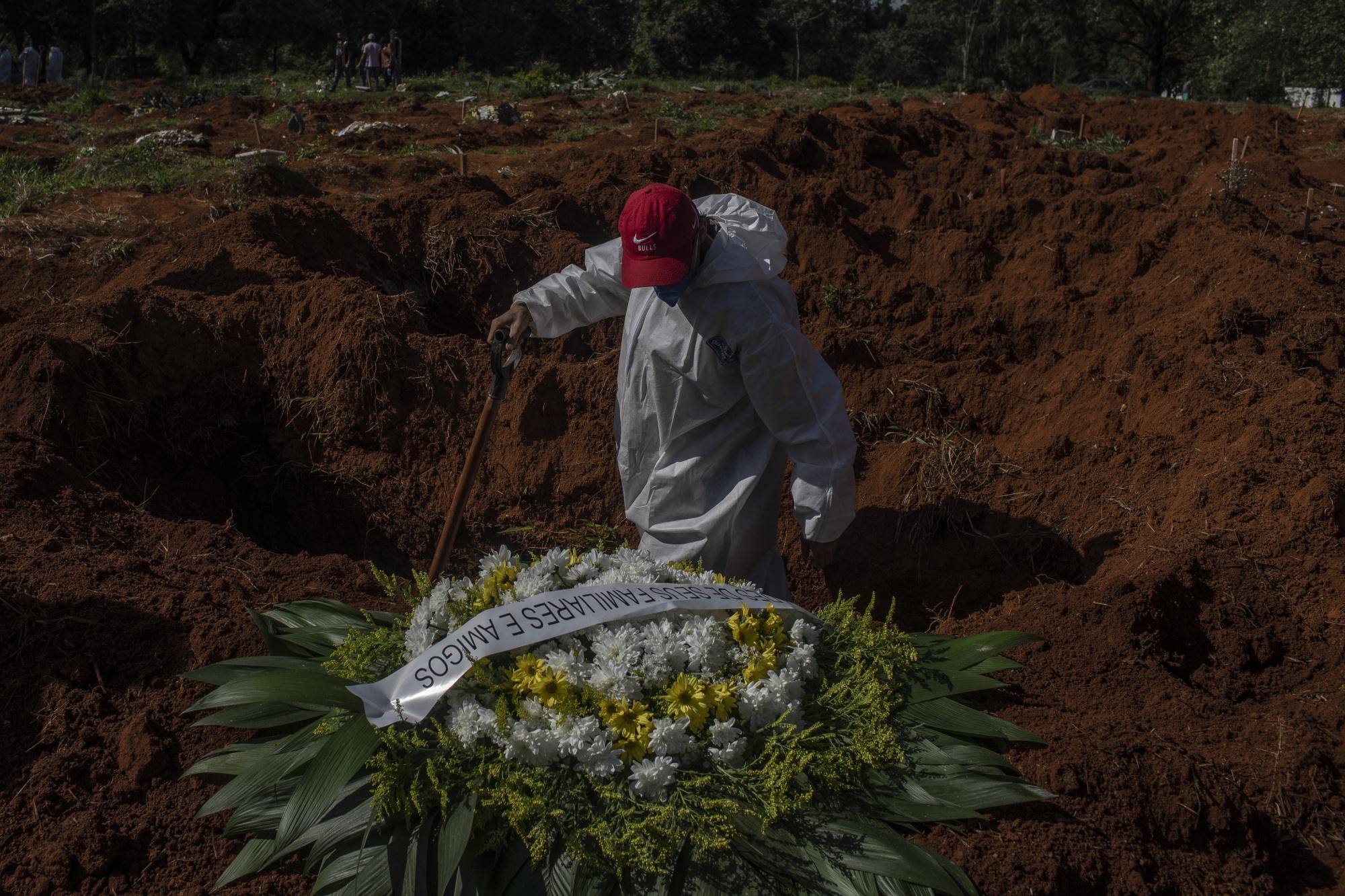 Η Βραζιλία βρίσκεται κοντά σε ένα απαίσιο ορόσημο 300.000 θανάτων από κοροναϊούς