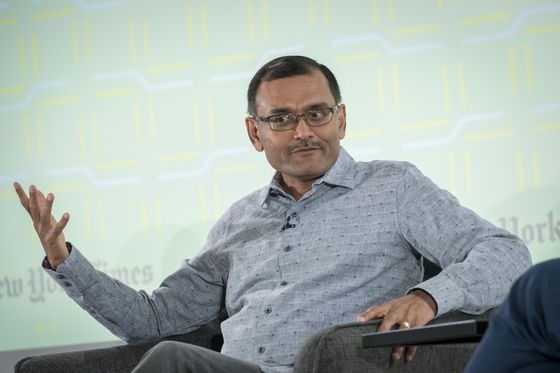 SoftBank Vision Fund's Deep Nishar Is Discussing Leaving Firm