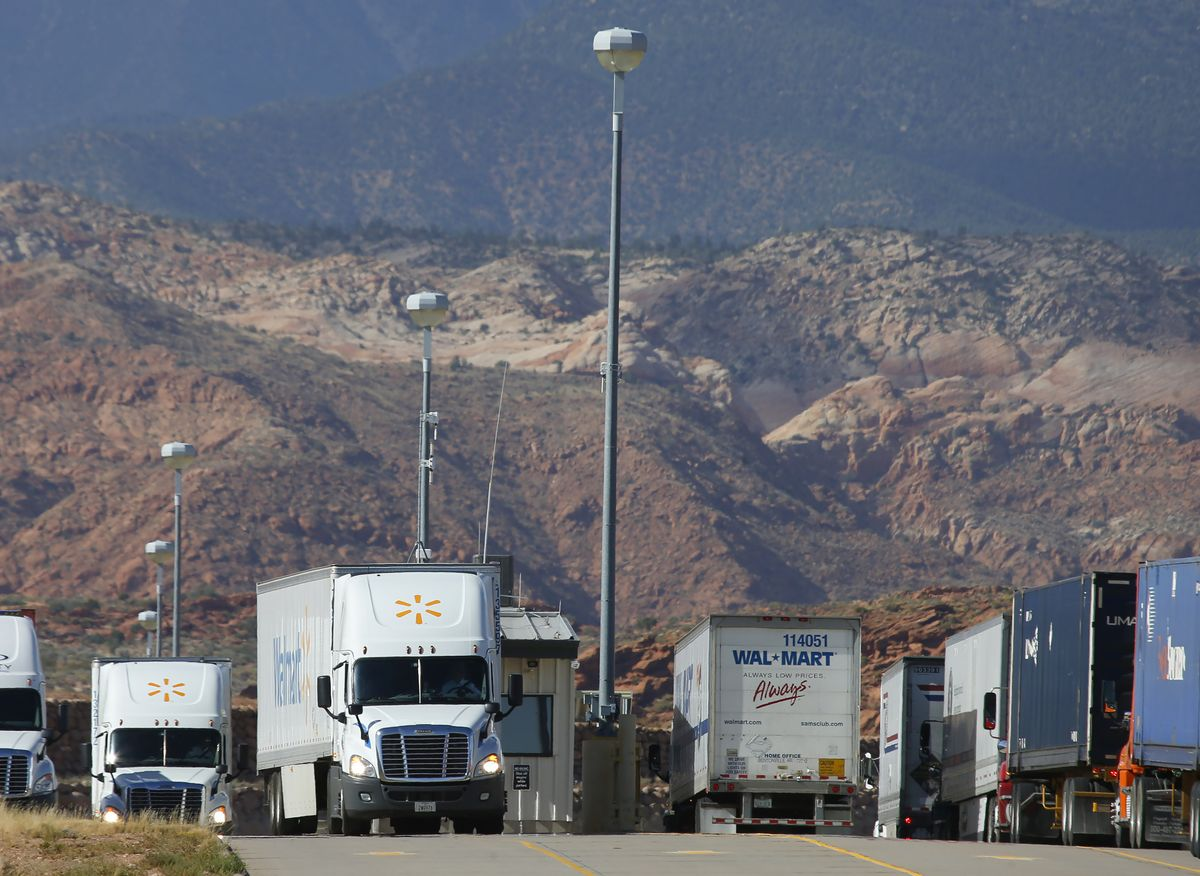 Help Wanted at Walmart, With $1,500 Bounties for New Truckers