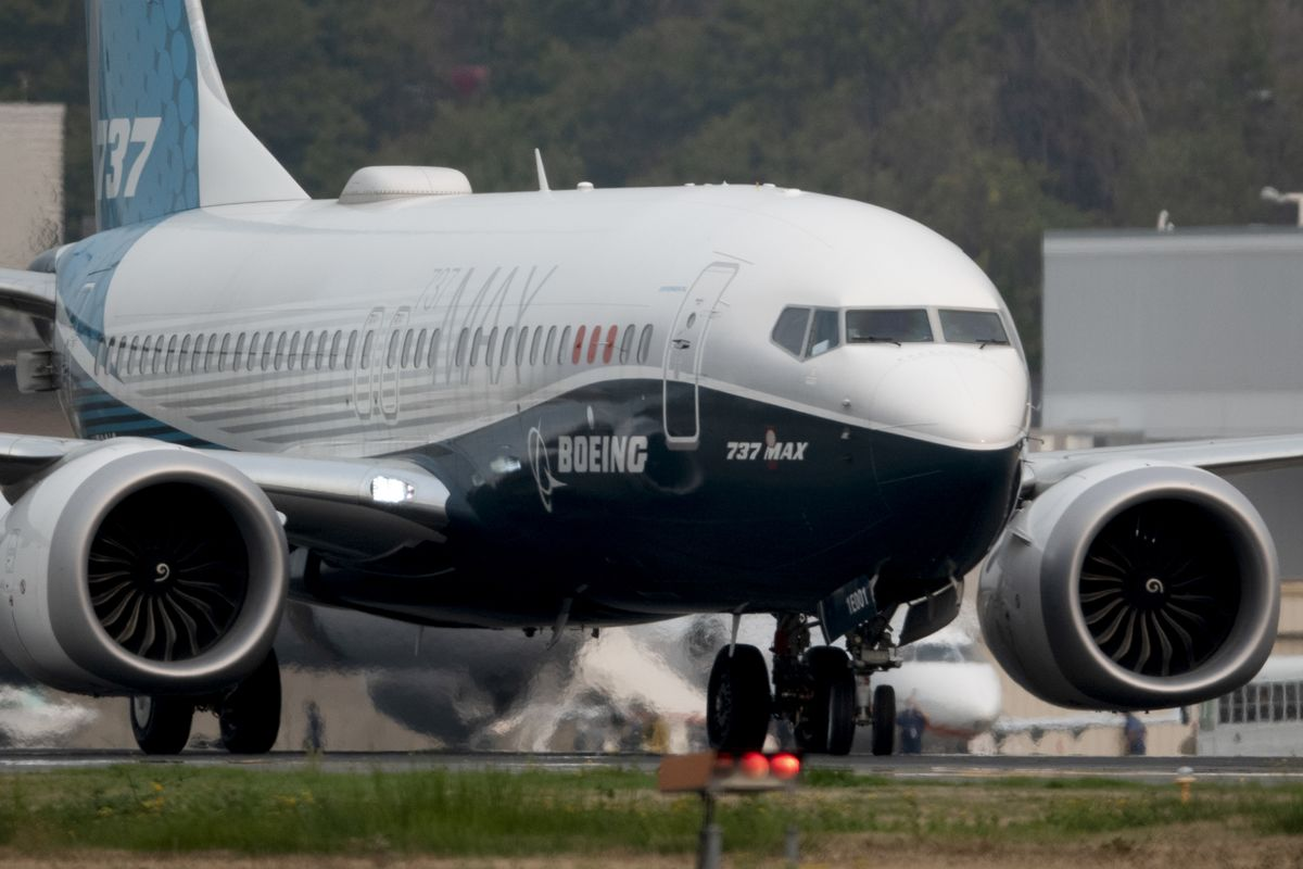 FAA Chief Likes Revised 737 After Flight, But Review Continues thumbnail