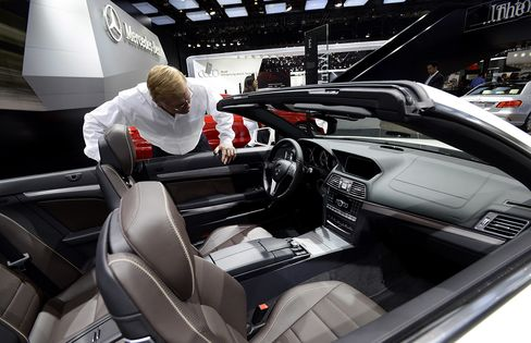 Mercedes Takes Early Lead in U.S. Luxury Race With January Gain
