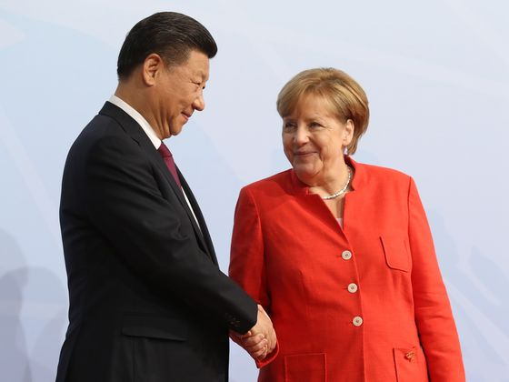 Merkel, Xi Say Goodbye With Chat on German-Chinese Relations