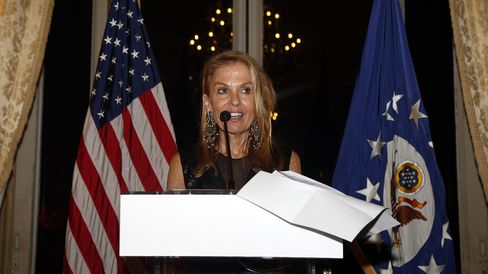 US embassador in France Jane Hartley speaks during a ceremony at the US embassy in Paris on November 22, 2014.