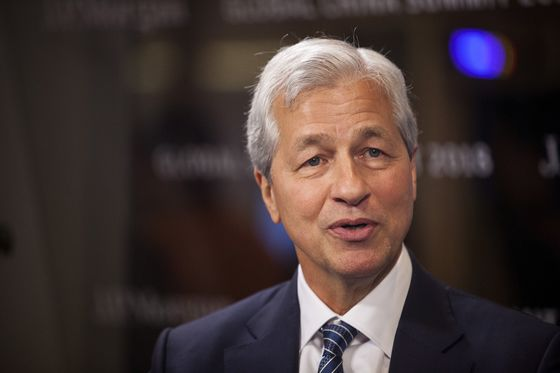 Jamie Dimon Stays Atop Business Roundtable to Influence Trump Agenda