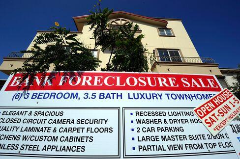 JPMorgan, BofA Said to Near Foreclosure Deal