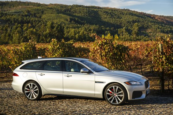 The XF S Sportbrake Has A Top Speed Of 121 Miles Per Hour And A Zero To  60mph Sprint Time Of 5.3 Seconds,