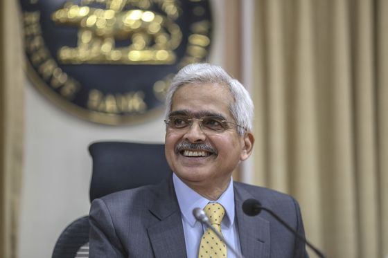RBI's Das Sees Shadow Bank Crisis Abating as Liquidity Improves