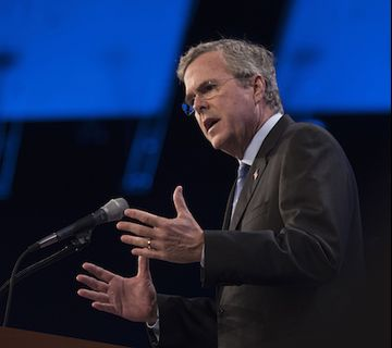 Jeb Bush, former governor of Florida, speaks during the Republican Party of Iowa's Lincoln Dinner in Des Moines, Iowa, U.S., on Saturday, May 16, 2015. Several current and potential candidates for U.S. president will speak during the dinner, hosted by the Republican Party of Iowa. Photographer: Daniel Acker/Bloomberg *** Local Caption *** Jeb Bush
