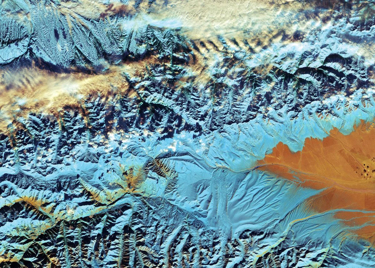 This image of the Tian Shan range in northwestern China near the border with Kazakhstan and Kyrgyzstan, was captured on 18 November 2016 by the Copernicus Sentinel-2A satellite