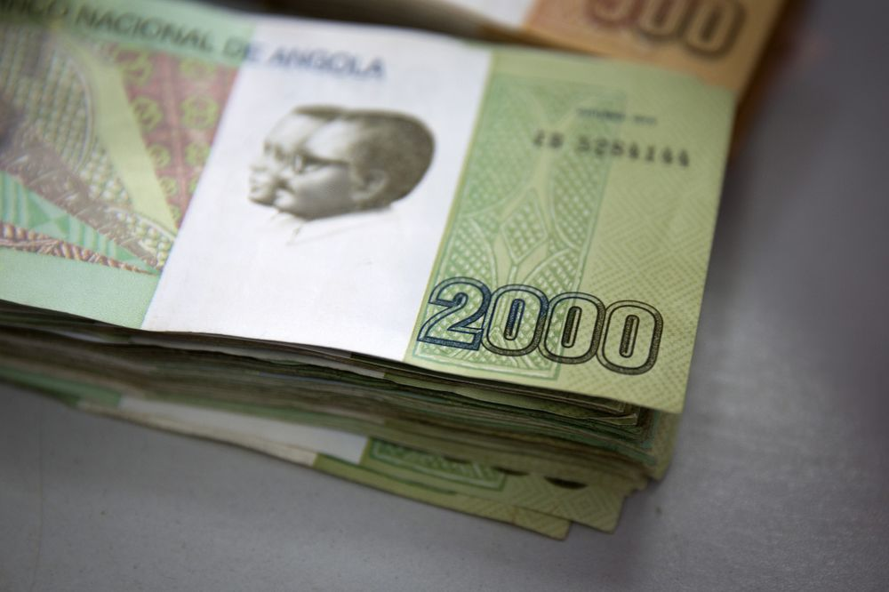 Two Thousand Denomination Kwanza Currency Banknotes In An Office Luanda