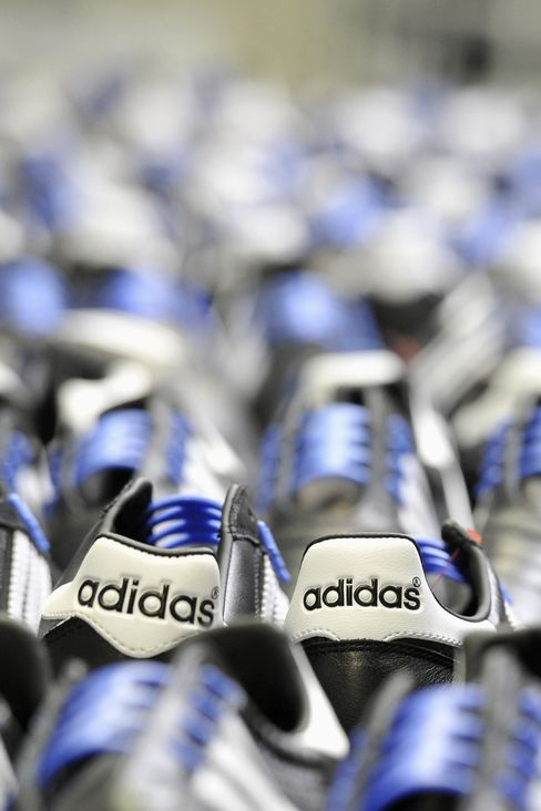 Adidas Rises After Forecasting Higher Profit for Year