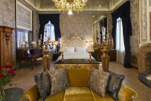 パラッツォ・ヴェナルトは客室ごとに内装が異なるが、どの部屋も豪華