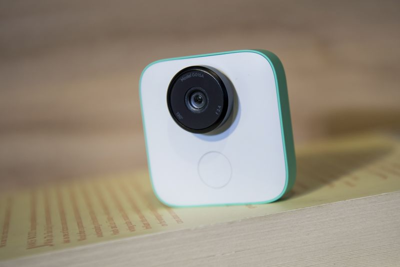 Google Releases Small Camera That Echoes Google Glass - Bloomberg