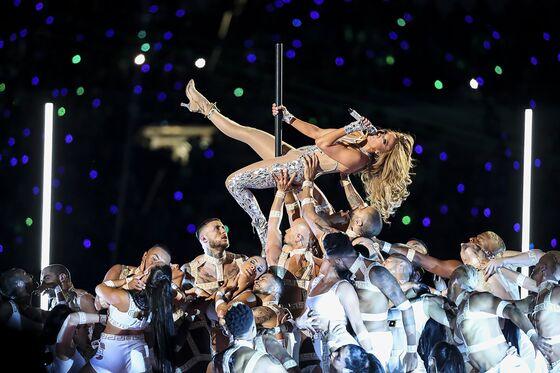 Jennifer Lopez Partners With DSW Owner On Footwear Line