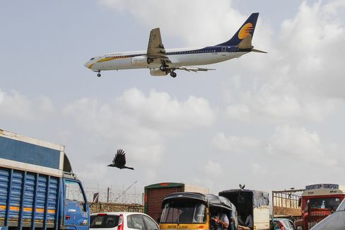 Jet Slumps as India Defers Decision on Stake Sale