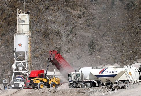 Cemex Loss Narrows as Housing Recovery Fuels U.S. Sales Gain