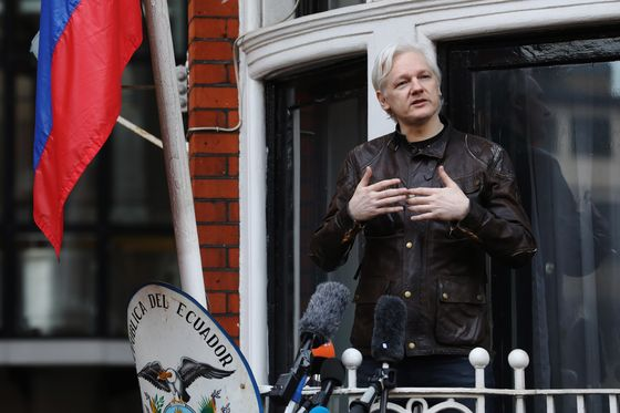 Ecuador Planned to Move Julian Assange to Moscow as a Diplomat