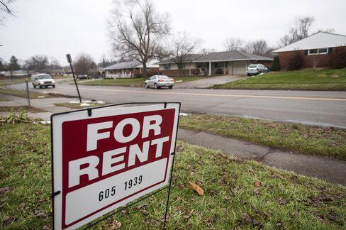 Home-Rental Firms Wall Street Built Say Grow or Go