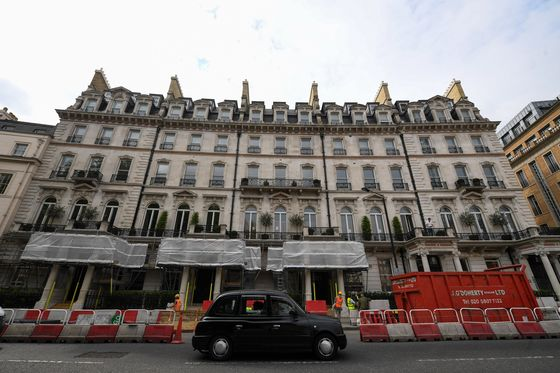 London Luxury Homes Lure Hedge Fund Cash as Banks Shy Away