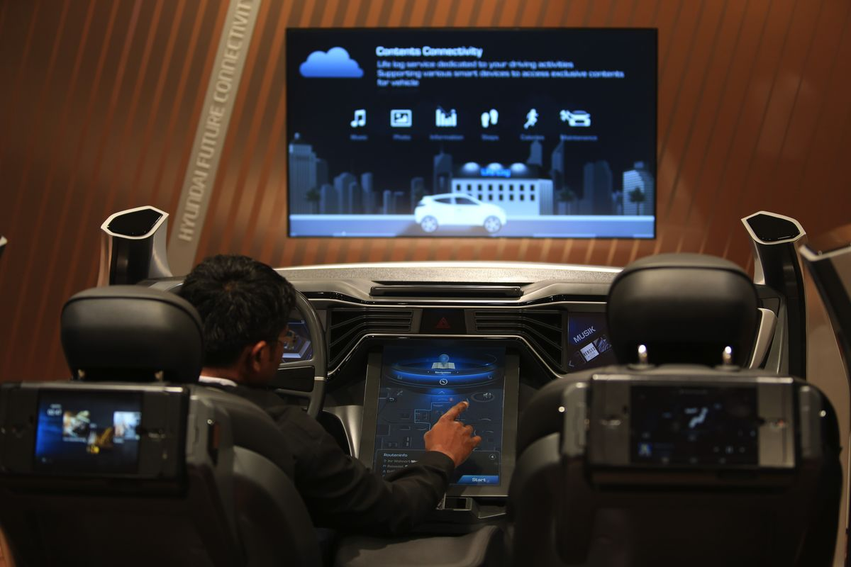 Ford and Honda and the Wired Dashboard Bloomberg
