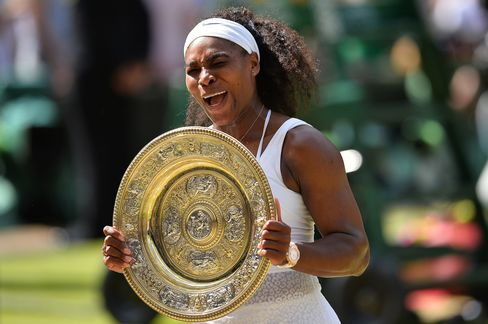 Serena Williams celebrating her 21st grand slam title with an Audemars Piguet on her wrist.