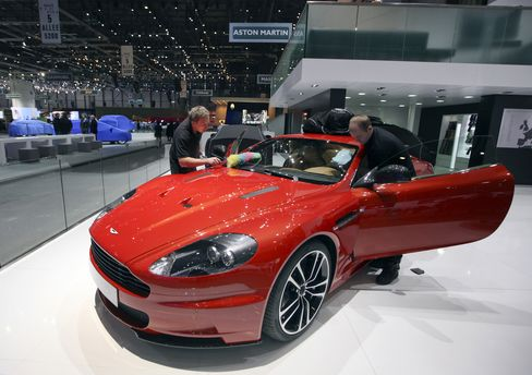 Investindustrial Said to Purchase About 40% Aston Martin Holding