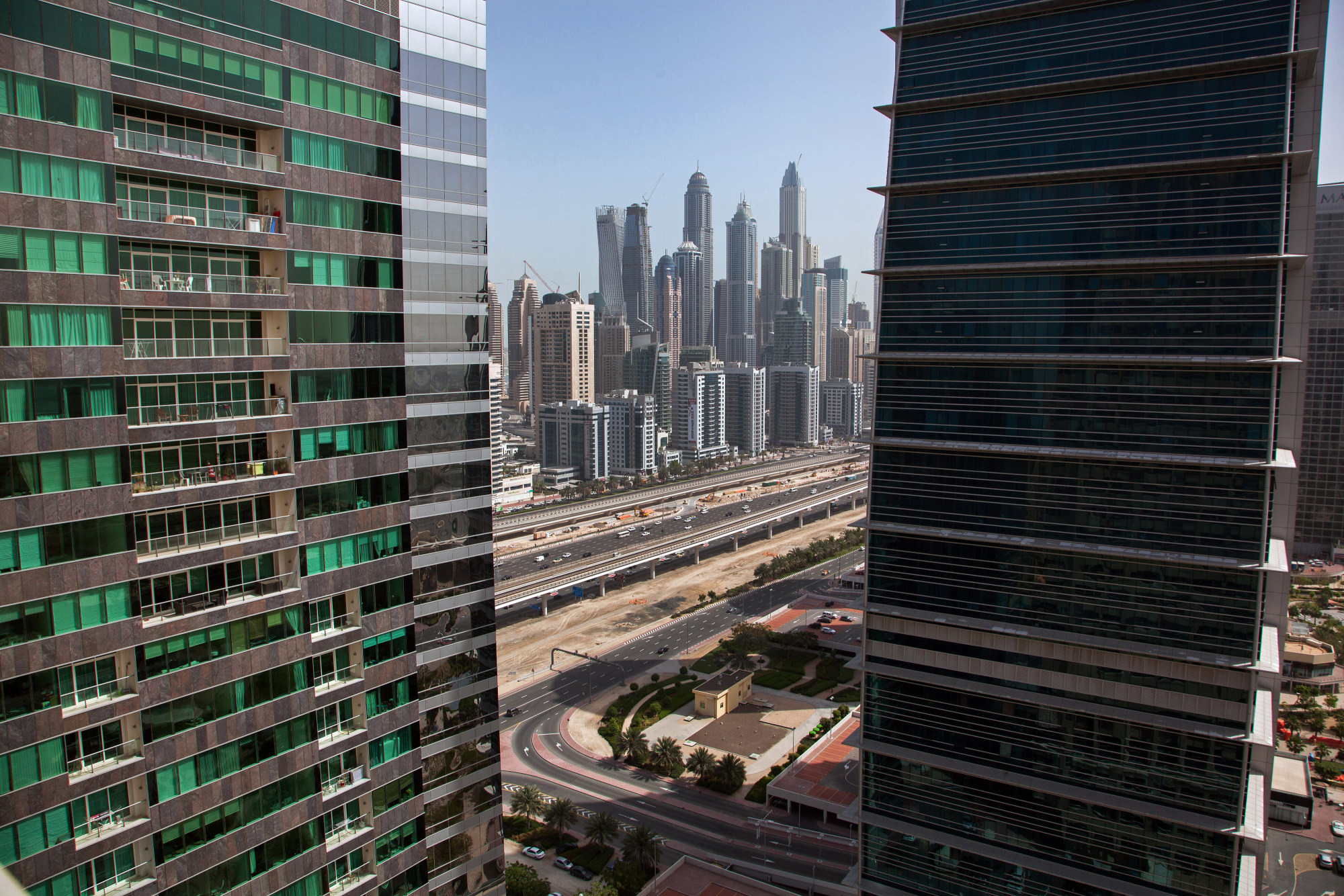 bloomberg.com - Filipe Pacheco - Looking for Cheap Real Estate in Dubai? Check The Stock Market