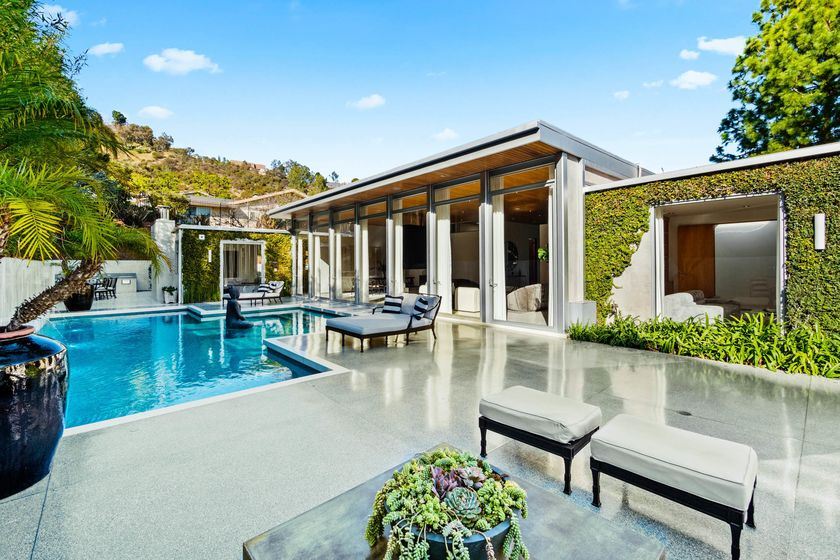 relates to Los Angeles's Luxury Real Estate Market Might Be Covid-19 Proof